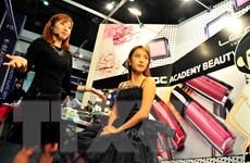 Xu hướng 'đẹp tự nhiên' đang thay đổi thị trường mỹ phẩm ra sao?