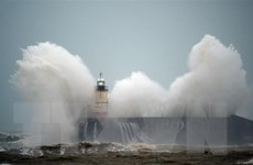 Siêu bão Sabine gây hậu quả nghiêm trọng tại nhiều nước châu Âu