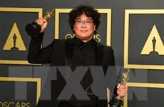 Tổng thống Hàn Quốc chúc mừng thành công vang dội của phim 'Parasite'