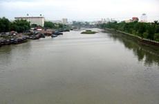 Thông quan cầu phao trên sông Ka Long, mở đường cho tôm hùm xuất khẩu