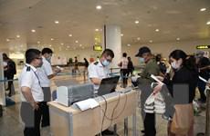 Xác định thêm những hành khách cùng chuyến bay với bệnh nhân thứ 17