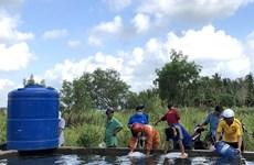 Chuyển hơn 3,6 triệu lít nước ngọt cho người dân vùng hạn mặn