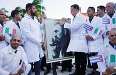 [Video] Cuba gửi y bác sỹ tới Italy giúp chống dịch COVID-19