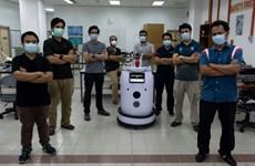 Robot Medibot hỗ trợ cuộc chiến chống COVID-19 tại Malaysia