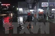 TP.HCM: Mưa lớn gây ngập nhiều khu vực, có cả mưa đá
