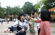 Học sinh, sinh viên toàn quốc đi học trở lại sau kỳ nghỉ chống dịch
