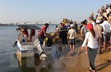 Tìm kiếm hai nạn nhân còn lại trong vụ chìm thuyền trên sông Thu Bồn