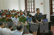Xét xử sơ thẩm 15 bị cáo trong vụ gian lận điểm thi tại Hòa Bình