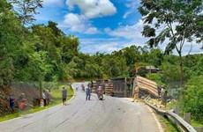 Hai vụ lật xe container liên tiếp trên Quốc lộ 279 đoạn qua Điện Biên