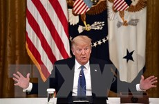 """Facebook """"gắn thẻ"""" bài đăng của ông Trump về bỏ phiếu qua bưu điện"""