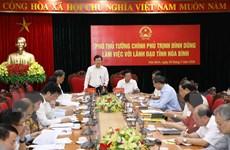 Phó Thủ tướng Trịnh Đình Dũng làm việc với lãnh đạo tỉnh Hòa Bình
