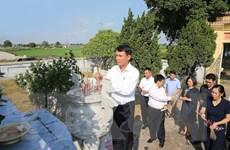 Đoàn đại biểu TTXVN viếng mộ liệt sỹ, nhà báo Trần Kim Xuyến