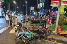 TP.HCM: Xe ôtô đâm hàng loạt xe máy, nhiều người bị thương