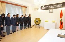 Lễ viếng và mở sổ tang nguyên Tổng Bí thư Lê Khả Phiêu tại CH Séc