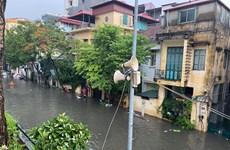 [Audio] Đường phố Hà Nội ngập thành sông trong ngày mưa lớn