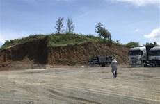 Làm rõ phản ánh của VietnamPlus về san lấp đồi trái phép ở Phú Yên
