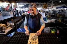 """COVID-19 khiến nhiều đầu bếp hàng đầu New Zealand phải ra """"vỉa hè"""""""