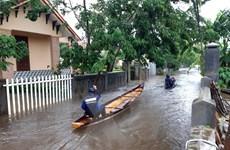 Thừa Thiên-Huế mưa trắng trời, Quảng Bình có nơi bị cô lập hoàn toàn