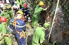 Hà Giang: Đưa thi thể nạn nhân rơi xuống hang sâu gần 150m lên mặt đất