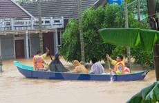 Quảng Trị: Di chuyển người dân ra khỏi khu vực ngập lũ huyện Cam Lộ