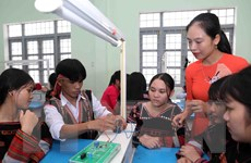 Tạo động lực cho giáo viên dân tộc thiểu số tại vùng đặc biệt khó khăn
