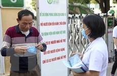 Kiểm tra việc đeo khẩu trang nơi công cộng khu vực gần hồ Hoàn Kiếm
