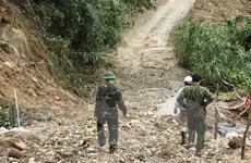 Rào Trăng 3: Nước suối dâng cao, việc nắn dòng gặp khó khăn