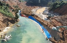 Vụ sạt lở Rào Trăng 3: Bắt đầu tìm kiếm các nạn nhân dưới lòng sông