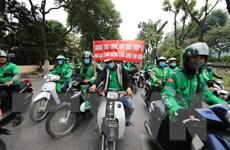 Hà Nội: Hàng trăm tài xế Grab diễu hành trên phố vì mức khấu trừ mới