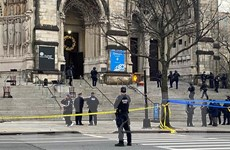 Thủ phạm trong vụ xả súng bên ngoài nhà thờ tại New York tử vong