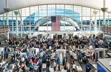 Mỹ: Người dân phớt lờ cảnh báo, lưu lượng hành khách sân bay tăng cao