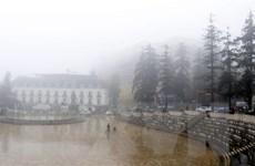 Lào Cai: Nhiệt độ giảm sâu, sương muối lại phủ trắng đỉnh Fansipan