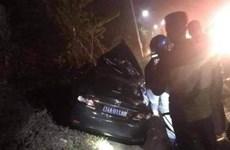 Quảng Ninh: Xe 4 chỗ lao vào xe container làm 2 người tử vong