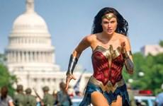 """Bắc Mỹ vẫn tiếp tục """"phải lòng"""" siêu anh hùng Diana Prince"""