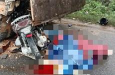 Quảng Trị: Xe máy đâm vào xe ôtô, 2 người tử vong tại chỗ