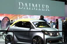 Daimler AG công bố kế hoạch đổi tên thành Mercedes-Benz