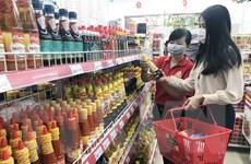 Sức mua hàng Tết tại TP.HCM tăng yếu dù giảm giá sâu