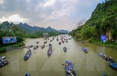 Hà Nội: Dừng tất cả hoạt động lễ hội và không đón khách tại Chùa Hương