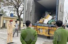 Thanh Hóa: Phát hiện xe đầu kéo vận chuyển gần 10 tấn thực phẩm bẩn