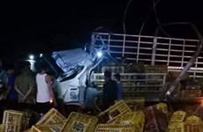 Đắk Lắk: Xe tải mất lái lật nghiêng làm ba người thương vong