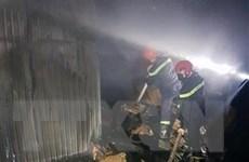 Bình Dương: Kịp thời dập tắt đám cháy tại kho hàng rộng 7.000m2
