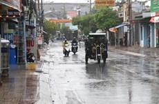 Chiều tối và đêm 4/4, mưa dông bao trùm nhiều khu vực trong cả nước
