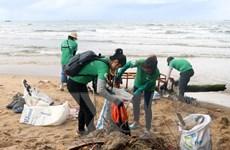 Ô nhiễm vi nhựa ở Việt Nam: Mức độ và chính sách quản lý