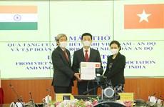 Trao tặng 100 máy thở hỗ trợ nhân dân Ấn Độ chống COVID-19