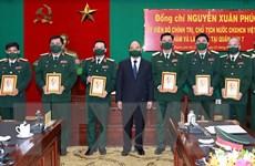 Chủ tịch nước kiểm tra công tác sẵn sàng chiến đấu tại Quân khu 7