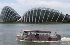 """Phập phồng """"bong bóng du lịch"""" giữa Singapore và Hong Kong"""