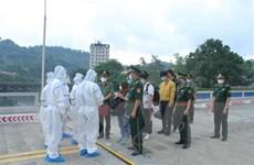 Trao trả nhiều công dân Trung Quốc qua cửa khẩu Quốc tế Lào Cai