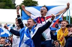[Video] Cổ động viên Scotland đại náo London trước trận gặp Anh