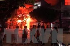 An Giang: Cháy 4 căn nhà trong đêm, 5 người thoát chết