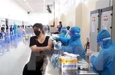 TP.HCM thông tin về việc tiêm trộn vaccine và xét nghiệm cho quán ăn